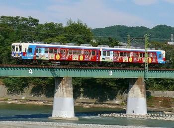 20100109(13)-2上信電鉄ヨコオ食品工業ラッピング.jpg