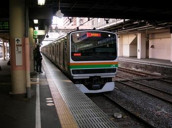 20100109(22)-1湘南新宿ラインE231系入線.JPG