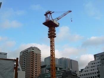 201008街角の風景(10)タワークレーン.jpg