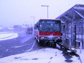 20101224(04)田沢湖駅バス乗り場.JPG