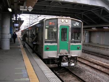 20101225(07)福島駅701系.JPG