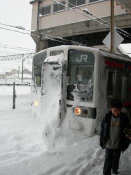 20101225(09)会津若松駅3233M到着.JPG