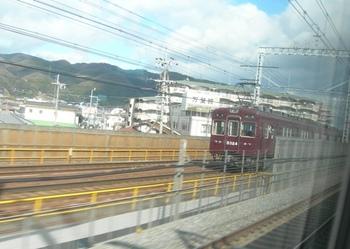 20110127(14)阪急電車と併走.JPG