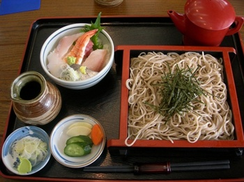 20110131伊豆(59)ざるそばとミニ海鮮丼セット.JPG