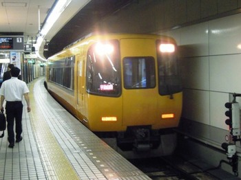 20110702(08)宇治山田行特急.JPG