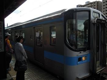 20110805高松(15)観音寺行普通列車.jpg