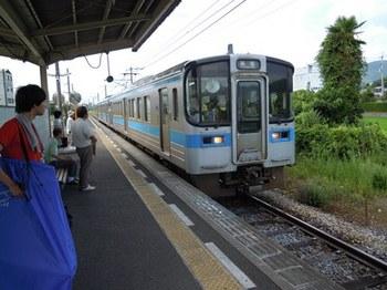 20110805高松(27)高松行列車.jpg