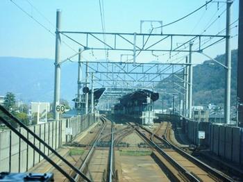 20130315(22)マリンライナー29号運転席展望(坂出駅到着).jpg