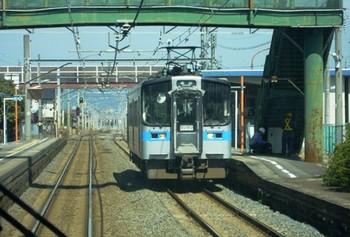 20130315(24)マリンライナー29号運転席展望(坂出行普通列車すれ違い).jpg