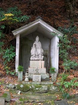 吉野詣(15)-4祠の役行者像.JPG