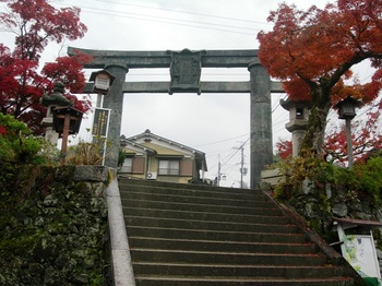 吉野詣(32)銅鳥居(発心門).JPG