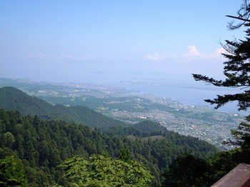 坂本ケーブル13振り返って琵琶湖.jpg