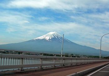河口湖大橋から見た富士山.jpg