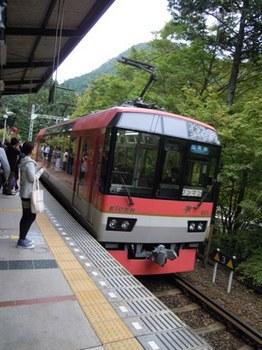 貴船神社121叡山電鉄900系.JPG