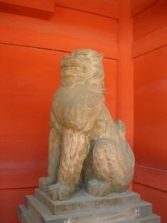 香取神宮(14)楼門内の狛犬2.JPG